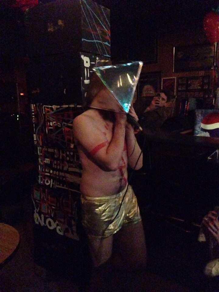 3/30 – Detroit, MI @ Kelly's Bar